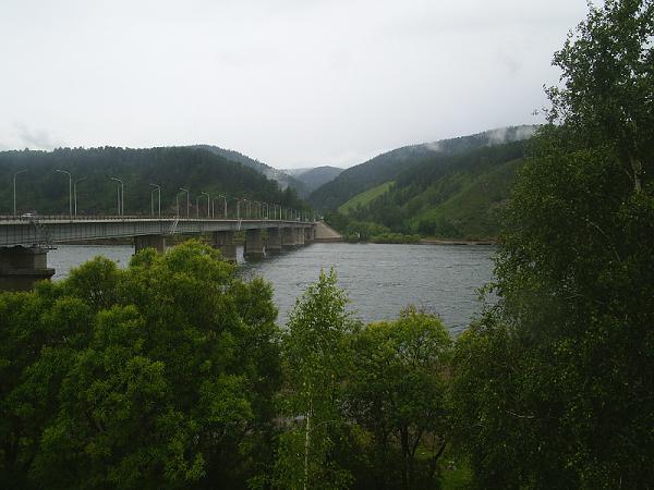 Вид на мост в Хакасию