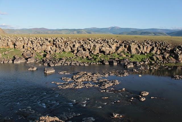 Монгольская река